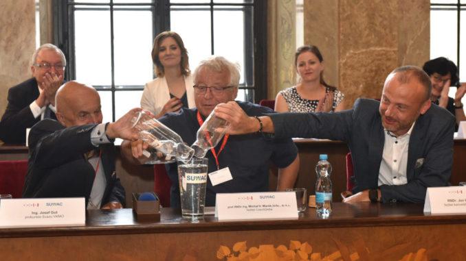 Josef Gut (Svaz VKMO s.r.o.), Michal Marek (Czech Globe), Jan Hodovský (Asociace krajů ČR). Foto: Zdeněk Kolařík, MMB