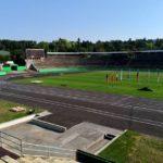 Brněnský stadion za Lužánkami opět zaplnili sportovci. Zbrojovka si na něm však nezahraje