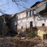 V Dlouhé Loučce zachraňují monumentální barokní zámek. Aktivity zaštiťuje místní spolek