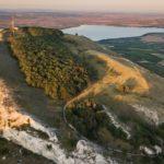 Pálavskou horu Děvín přestane hyzdit elektrické vedení. Půjde pod zem