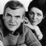 Manželka Milana Kundery vylučuje návrat do vlasti. Slavný moravský spisovatel zůstává ve Francii, i kvůli disidentům