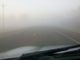 Mrznoucí mlha, pohled z auta, namrzlá silnice