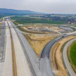 V Přerově byl zprovozněn nový úsek D1 do Lipníku. Stavba zbývajícího úseku dálnice je zatím v nedohlednu