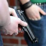 Cizince, který střílel v Brně z plynové pistole, se chtěl pochlubit kamarádovi. Soud ho vyhostil