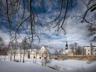 Zámek Žďár nad Sázavou v zimě