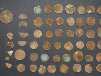 poklad-stribrne-mince
