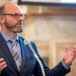 Ministr školství: Letní prázdniny se zkracovat nebudou, maturity a přijímačky se posunou
