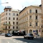 Hotel Slavia v Brně bude zavřený nejméně do konce roku, zaměstnance propustil