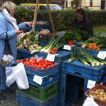 Na Moravě se obnovují farmářské trhy. Vláda uvolňuje opatření