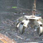 Vodohospodáři čistili přehrady. Deště do nich naplavily tuny odpadu