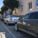 Olomouc zápasí s přemírou aut, zvažuje rezidenční parkování