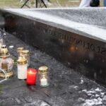 V Ostravě odhalili památník připomínající střelbu v nemocnici