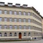 Město Brno nabízí mladým párům 20 zrekonstruovaných startovacích bytů. V domě bude bydlet strážník