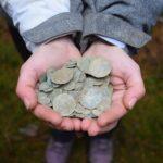 V lese u Brna bylo objeveno 274 stříbrných mincí z 15. století