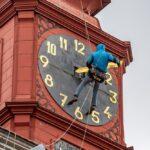 Z jihlavské radnice zmizely hodiny, vrátí se po opravě