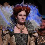 Primátorka jako královna Alžběta – Vaňková si zahrála v komedii