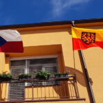 Z 5. července se stává také den moravské hrdosti. 1 582 obcí a měst vyvěsilo moravskou vlajku