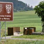 Hranice mezi Čechami a Moravou nezanikla, lidé ji stále vnímají